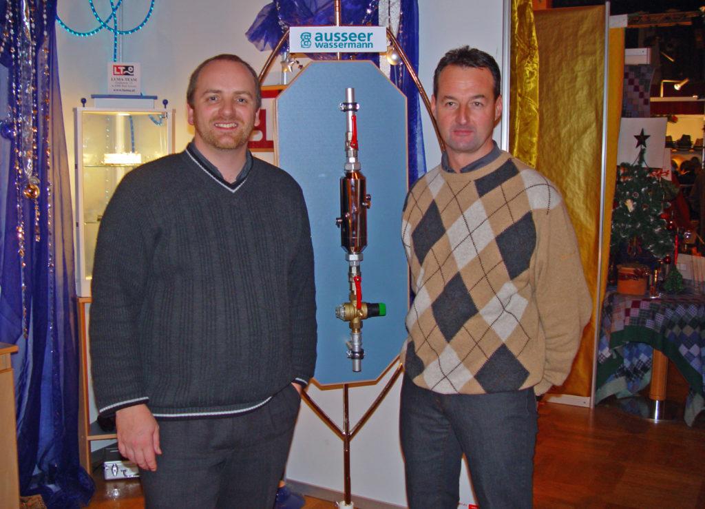 Chlodwig Haslebner und Günter Erhart haben ein weltweit einzigartiges Wasserbelebungssystem entwickelt.