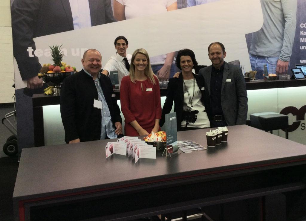 Gute Stimmung am CORE smartwork-Messestand auf der Messe Zukunft Personal in Köln. Das innovative IT-Tool für erfolgreiches Organisations- und Personalmanagement war eines der Highlights der größten Personalfachmesse Europas.